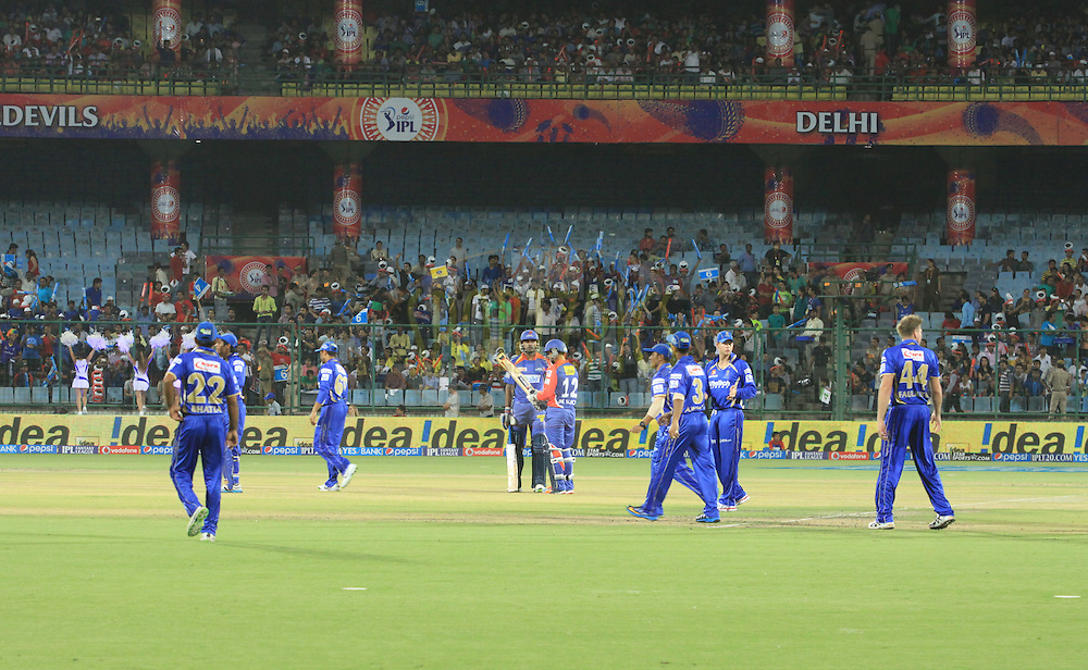 Delhi Daredevils opening bats man Murali Vijay and Quinton de Kock with Rajasthan Royals filders during match 23 of the Pepsi Indian Premier League Season 2014 between the Delhi Daredevils and the Rajasthan Royals held at the Feroze Shah Kotla cricket stadium, Delhi, India on the 3rd May  2014<br /> <br /> Photo by Arjun Panwar / IPL / SPORTZPICS<br /> <br /> <br /> <br /> Image use subject to terms and conditions which can be found here:  http://sportzpics.photoshelter.com/gallery/Pepsi-IPL-Image-terms-and-conditions/G00004VW1IVJ.gB0/C0000TScjhBM6ikg
