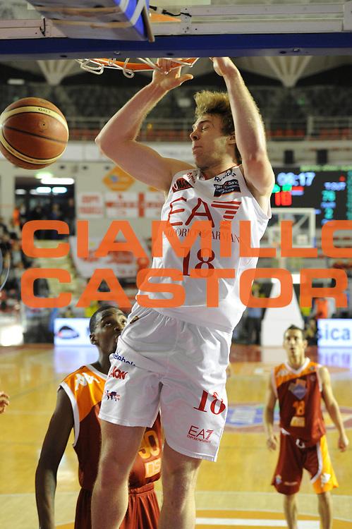DESCRIZIONE : Roma Lega Basket A 2011-12  Acea Virtus Roma EA7 Emporio Armani Milano<br /> GIOCATORE : Nicolo Melli<br /> CATEGORIA : schiacciata<br /> SQUADRA : EA7 Emporio Armani Milano<br /> EVENTO : Campionato Lega A 2011-2012 <br /> GARA : Acea Virtus Roma EA7 Emporio Armani Milano<br /> DATA : 25/04/2012<br /> SPORT : Pallacanestro  <br /> AUTORE : Agenzia Ciamillo-Castoria/ GiulioCiamillo<br /> Galleria : Lega Basket A 2011-2012  <br /> Fotonotizia : Roma Lega Basket A 2011-12 Acea Virtus Roma EA7 Emporio Armani Milano <br /> Predefinita :