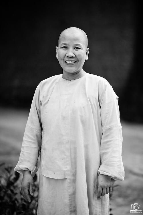 The Head Nun at the Chua Dieu Vien Pagoda, Hue, Vietnam.  Photo by Stan Olszewski/SOSKIphoto