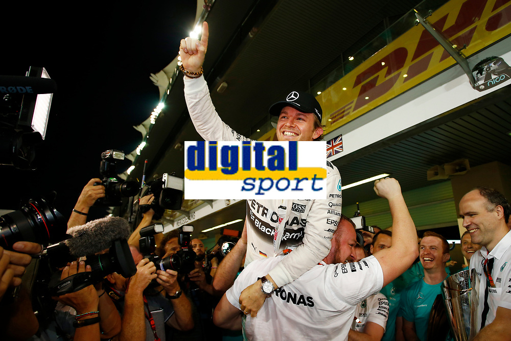 ROSBERG nico (ger) mercedes gp mgp w06 ambiance portrait during the 2015 Formula One World Championship, Abu Dhabi Grand Prix from November 27th to 29th 2015 in Yas Marina. Photo DPPI