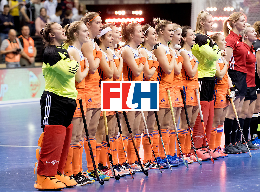 BERLIN - Indoor Hockey World Cup<br /> Final: Netherlands - Germany<br /> foto: Netherlands line up.<br /> WORLDSPORTPICS COPYRIGHT FRANK UIJLENBROEK