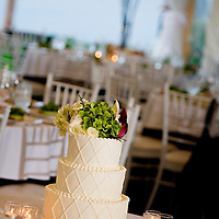 Cake at a lakeside wedding in Seattle.
