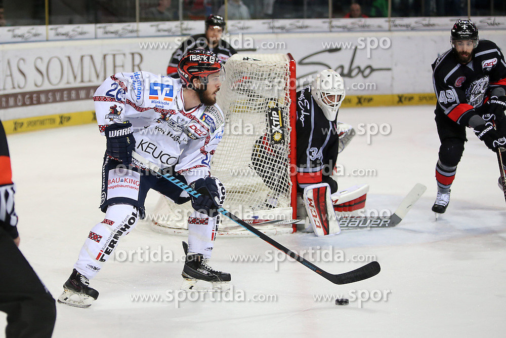 22.03.2016, Arena Nuernberger Versicherung, Nuernberg, GER, DEL, Thomas Sabo Ice Tigers vs Iserlohn Roosters, Viertelfinale, 4. Spiel, im Bild #26 Cody Sylvester - Iserlohn Roosters, #34 Tyler Beskorowany - Ice Tigers Nuernberg, #49 Kyle Klubertanz - Ice Tigers Nuernberg, Foto: Foerster/Eibner-Pressefoto // during the German DEL Icehockey League 4th quaterfinal match between Thomas Sabo Ice Tigers and Iserlohn Roosters at the Arena Nuernberger Versicherung in Nuernberg, Germany on 2016/03/22. EXPA Pictures &copy; 2016, PhotoCredit: EXPA/ Eibner-Pressefoto/ Foerster<br /> <br /> *****ATTENTION - OUT of GER*****