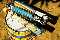 28/10/2005 - Espirito Santo - Linhares - Banda de Congo na Festa do Cabloco Bernardo na Vila de Regência - Foto: Tadeu Bianconi/ Mosaico Imagem