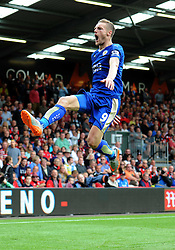 Jamie Vardy of Leicester City celebrates to make it 1-1. - Mandatory byline: Alex James/JMP - 07966386802 - 29/08/2015 - FOOTBALL - Dean Court -Bournemouth,England - AFC Bournemouth v Leicester City - Barclays Premier League