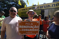 August 28, 2017 - Sao Paulo, Brazil - The ''Come to the Street'' Movement acts on Avenida Paulista against corruption, for renewal in politics and against all corrupt politicians, in Sao Paulo, Brazil, on August 27, 2017. (Credit Image: © Cris Faga/NurPhoto via ZUMA Press)