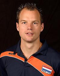 20-07-2014 NED: Selectie Nederlands volleybal team jongens jeugd, Arnhem<br /> Op Papendal werd het Nederlands team volleybal seizoen 2014-2015 gepresenteerd / Niels Plinck