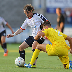 TELFORD COPYRIGHT MIKE SHERIDAN 14/8/2018 - James McQuilkin of AFC Telford takes on Matt Lowe during the Vanarama Conference North fixture between AFC Telford United and Brackley Town.