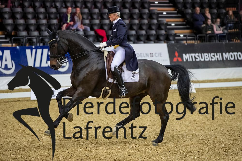 HANSEN Insa (GER), Diamond's Diva 2<br /> Oldenburg - AGRAVIS-Cup 2018<br /> Grand Prix de Dressage<br /> 02. November 2018<br /> © www.sportfotos-lafrentz.de/Stefan Lafrentz