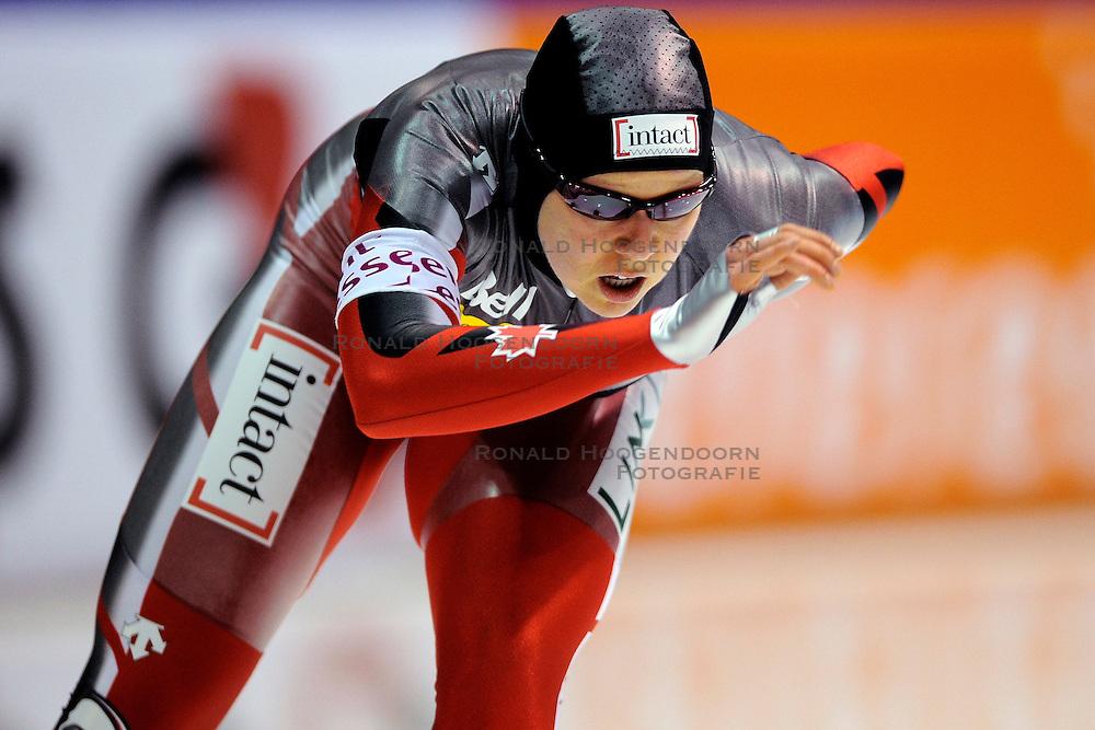 13-11-2009 SCHAATSEN: ESSENT ISU WORLDCUP: HEERENVEEN <br /> Cindy Klassen CAN op de 3000 meter<br /> &copy;2009-WWW.FOTOHOOGENDOORN.NL