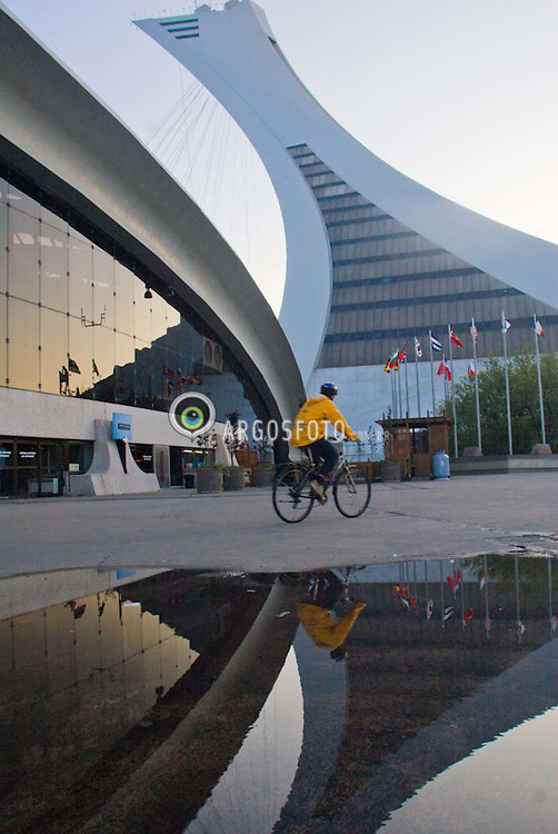 Montreal, QC, Canada. Biodomo e Estadio Olimpico / Biodome and The Olympic Satdium