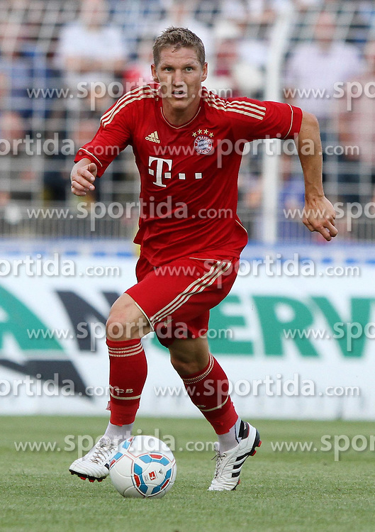 14.07.2011, Ernst-Abbe-Sportfeld, Jena, GER, Benefizspiel, Carl Zeis Jena vs FC Bayern im Bild ..Bastian Schweinsteiger (Bayern München) .. //during the freindlc match between Carl Zeis Jena - FC Bayern 2011/07/14   EXPA Pictures © 2011, PhotoCredit: EXPA/ nph/  Hessland       ****** out of GER / CRO  / BEL ******