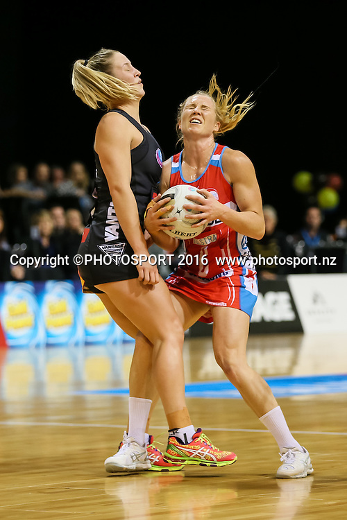 NSW Swift's Laura Langman and Waikato BOP's Jamie-Lee Price collide during the ANZ Netball Championship semi final between the Waikato BOP Magic and the NSW Swifts, played at Claudelands Arena, Hamilton, New Zealand on Monday 25 July 2016.  Copyright Photo: Bruce Lim / www.photosport.nz