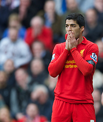 07.04.2013, Anfield, Liverpool, ENG, Premier League, FC Liverpool vs West Ham United, 32. Runde, im Bild Liverpool's Luis Alberto Suarez Diaz looks dejected after missing a chance against West Ham United during during the English Premier League 32th round match between Liverpool FC and West Ham United FC at Anfield, Liverpool, Great Britain on 2013/04/07. EXPA Pictures © 2013, PhotoCredit: EXPA/ Propagandaphoto/ David Rawcliffe..***** ATTENTION - OUT OF ENG, GBR, UK *****