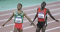 Atletiek 10km. De Ethiopier Haile Gebrselassie (l) won de 10km voor de Keniaan Paul Tergat (r).