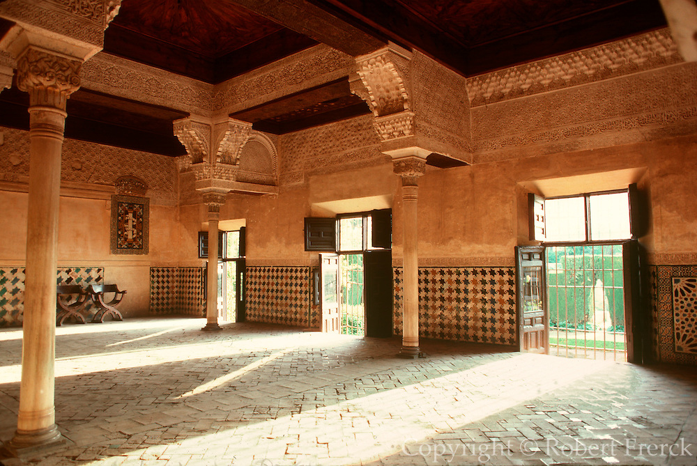 SPAIN, ANDALUSIA, GRANADA Alhambra, Mexaur Council Chamber