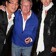 NLD/Amsterdam/20081009 - Opening bar Majestic, Won Yip begroet Jan en Monique des Bouvrie