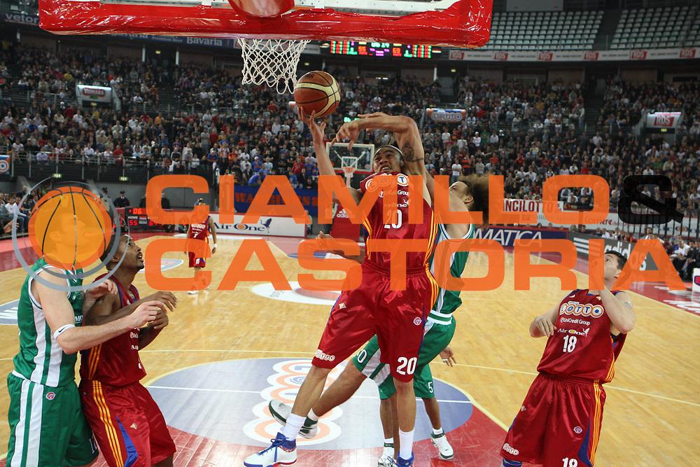 DESCRIZIONE : Roma Lega A1 2008-09 Lottomatica Virtus Roma Montepaschi Siena<br /> GIOCATORE : Ibrahim Jaaber Shaun Stonerook<br /> SQUADRA : Lottomatica Virtus Roma Montepaschi Siena<br /> EVENTO : Campionato Lega A1 2008-2009 <br /> GARA : Lottomatica Virtus Roma Montepaschi Siena<br /> DATA : 16/11/2008 <br /> CATEGORIA : tiro Fallo<br /> SPORT : Pallacanestro <br /> AUTORE : Agenzia Ciamillo-Castoria/G.Ciamillo