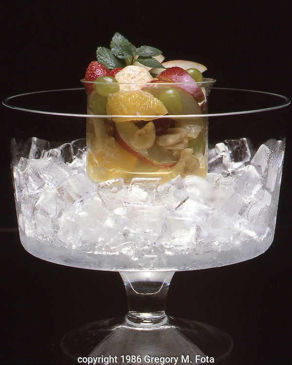 FRUIT CUP --on ice. For Wood Food Co. brochure. 09121986