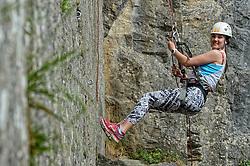 04-05-2015 BEL: BvdGF Outdoorkamp 2015, Dinant<br /> Achttien jongeren van 18 t/m 23 jaar beleven een avontuurlijk kamp in de Belgische Ardennen. Onder begeleiding van een arts, twee diabetesverpleegkundigen en Bas van de Goor gaan ze uitdagende activiteiten aan en ervaren ze wat het effect hiervan op hun diabetes is. Vandaag de dag van lopen en kano.