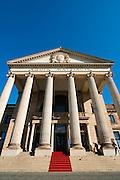 Säulenportal, Kurhaus, Wiesbaden, Hessen, Deutschland.|.Kurhaus, Wiesbaden, Hessen, Germany