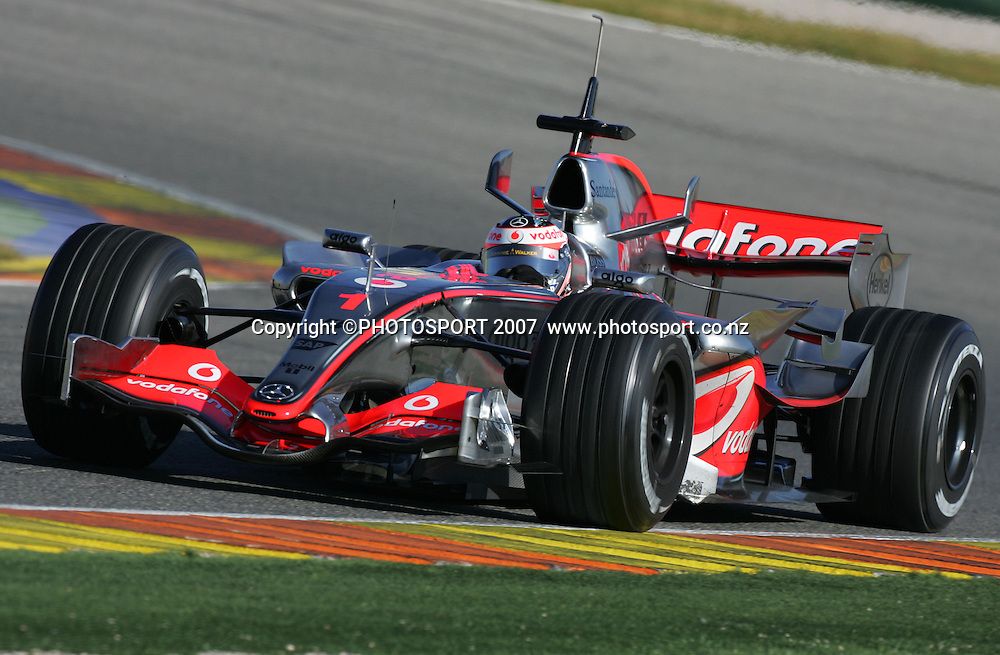 01.02.07 Essai Priv&Egrave; de Formule 1 sur le Circuit Ricardo Tormo a Valence(Espagne)<br /> Fernando Alonso Vodafone MC Laren Mercedes FERNANDO ALONSO, Spain, Spanien - Team McLaren-Mercedes 2007 -  F1 testing in Valencia - Spain - 02. Februar 2007 - 02.02.2007: Formel 1 Testfahrten in Spanien, Valencia  - Circuit Ricardo Tormo - CREDIT PHOTO:  &copy;ATP / Jean-Philippe PARIENTE