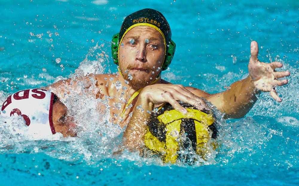 lessandro Valania of Golden West College tries to steal the ball back from Keeon Jabbour of Saddleback College &mdash; Orange Empire Conference Water Polo Championships. November 4th, 2016 &mdash; Golden West College vs Saddleback College &mdash; Men&rsquo;s Waterpolo &mdash; Saddleback College, Mission Viejo, CA<br /> <br /> Photo by Austin Song / Sports Shooter Academy