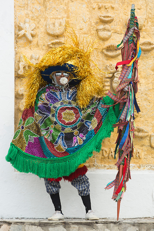 Olinda_PE, 11 de Setembro de 2012<br /> <br /> Grupo de Maracatu Piaba de Ouro. Na foto, um Caboclo de Lanca<br /> <br /> Foto: LEO DRUMOND / NITRO