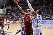 DESCRIZIONE : Campionato 2014/15 Dinamo Banco di Sardegna Sassari - Umana Reyer Venezia<br /> GIOCATORE : Julyan Stone<br /> CATEGORIA : Tiro Penetrazione Sottomano<br /> SQUADRA : Umana Reyer Venezia<br /> EVENTO : LegaBasket Serie A Beko 2014/2015<br /> GARA : Dinamo Banco di Sardegna Sassari - Umana Reyer Venezia<br /> DATA : 03/05/2015<br /> SPORT : Pallacanestro <br /> AUTORE : Agenzia Ciamillo-Castoria/L.Canu