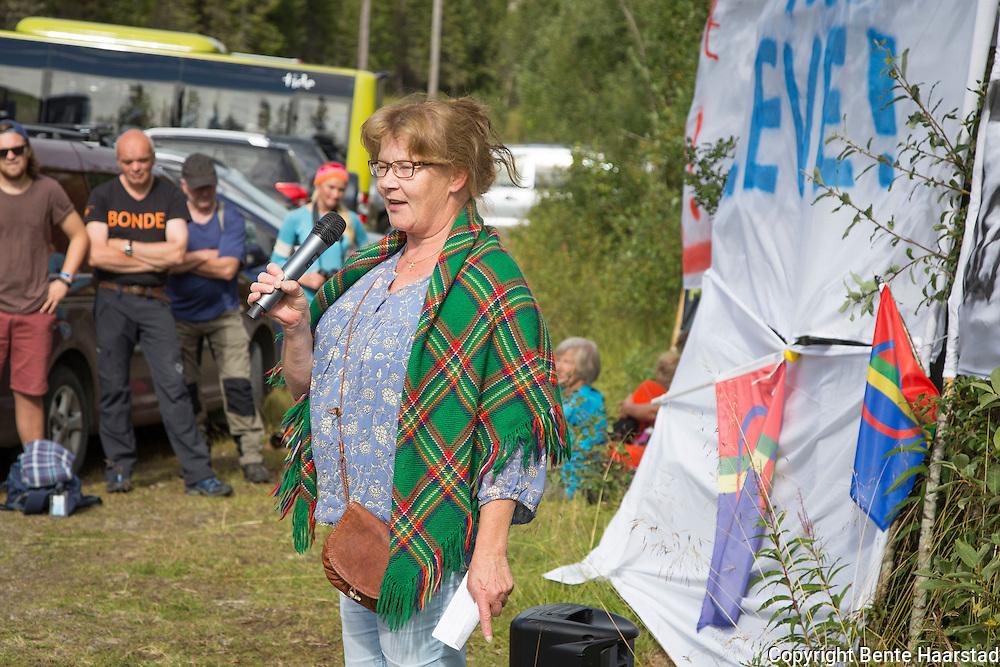 Nora Marie Bransfjell, leder for Sør-Trøndelag og Hedmark saemiej saervi, holdt appell fra det sørsamiske folket lengst sør i Norge.
