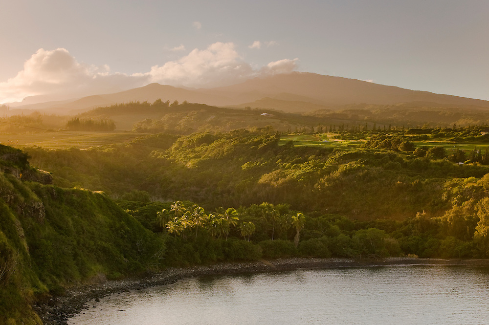 Honolua Bay sunrise, West Maui Mountains, USA