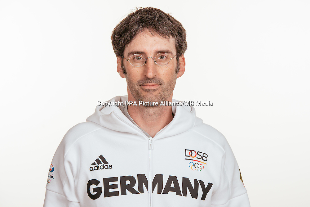 Sören Kaufmann poses at a photocall during the preparations for the Olympic Games in Rio at the Emmich Cambrai Barracks in Hanover, Germany, taken on 19/07/16 | usage worldwide