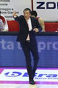 DESCRIZIONE : Campionato 2014/15 Giorgio Tesi Group Pistoia - EA7 Emporio Armani Milano<br /> GIOCATORE : Banchi Luca<br /> CATEGORIA : Allenatore coach<br /> SQUADRA : EA7 Emporio Armani Milano<br /> EVENTO : LegaBasket Serie A Beko 2014/2015<br /> GARA : Giorgio Tesi Group Pistoia - EA7 Emporio Armani Milano<br /> DATA : 12/01/2015<br /> SPORT : Pallacanestro <br /> AUTORE : Agenzia Ciamillo-Castoria / Stefano D'Errico<br /> Galleria : LegaBasket Serie A Beko 2014/2015<br /> Fotonotizia : Campionato 2014/15 Giorgio Tesi Group Pistoia - EA7 Emporio Armani Milano<br /> Predefinita :