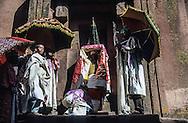 Ethiopia. Lalibela. Timkat orthodox epiphany, procession of the covenant arck (the tabernacle), the return of the tabots (covenant ark) in the Church Bieta Ghiorgis (Saint Georges house)      / Eglise Bieta Ghiorgis (maison de Saint Georges ),Timkat fete orthodoxe de l epiphanie, sortie des tabots (arche díalliance)    procession de l'arche d'alliance (tables de la loi)  Lalibela  Ethiopie