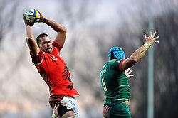 Matt Corker of London Welsh wins lineout ball - Photo mandatory by-line: Patrick Khachfe/JMP - Mobile: 07966 386802 23/11/2014 - SPORT - RUGBY UNION - Oxford - Kassam Stadium - London Welsh v Leicester Tigers - Aviva Premiership