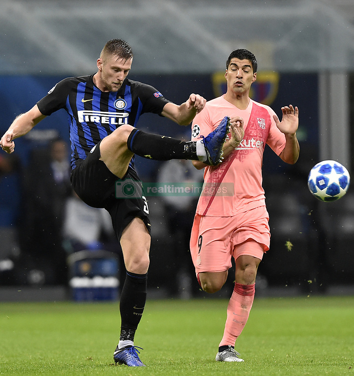 صور مباراة : إنتر ميلان - برشلونة 1-1 ( 06-11-2018 )  20181106-zaf-x99-230