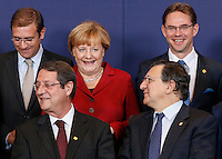 (L-R) Portuguese Prime Minister Pedro Passos Coelho, Cyprus President Nicos Anastasiades, German Chancellor Angela Merkel, European Commission President Jose Manuel Barroso and Swedish Prime Minister Fredrik Reinfeldt pose for a family photo during an European Union summit in Brussels, Belgium, 24 October 2013.