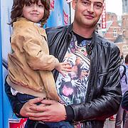 NLD/Amsterdam/20130921 - Premiere Planes, Lange Frans Frederiks en zoon Willem en vriend ……….