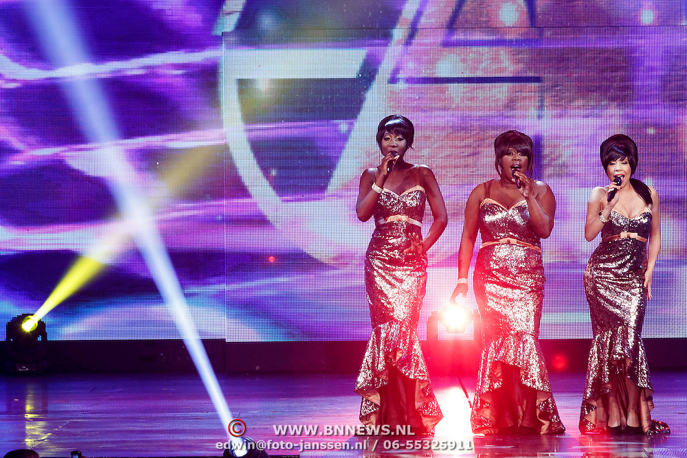 NLD/Hilversum/20141027 - Finale Holland Next Top Model 2014, Dreamgirls, Berget Lewis, Pearl Jozefzoon, Aicha Gill