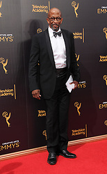 Reg E. Cathey bei den Creative Arts Emmy Awards in Los Angeles / 100916<br /> <br /> <br /> *** at the Creative Arts Emmy Awards in Los Angeles on September 10, 2016 ***