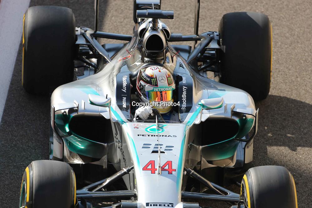 &copy; Photo4 / LaPresse<br /> 22/11/2014 Abu Dhabi, UAE<br /> Sport <br /> Grand Prix Formula One Abu Dhabi 2014<br /> In the pic: Lewis Hamilton (GBR) Mercedes AMG F1 W05