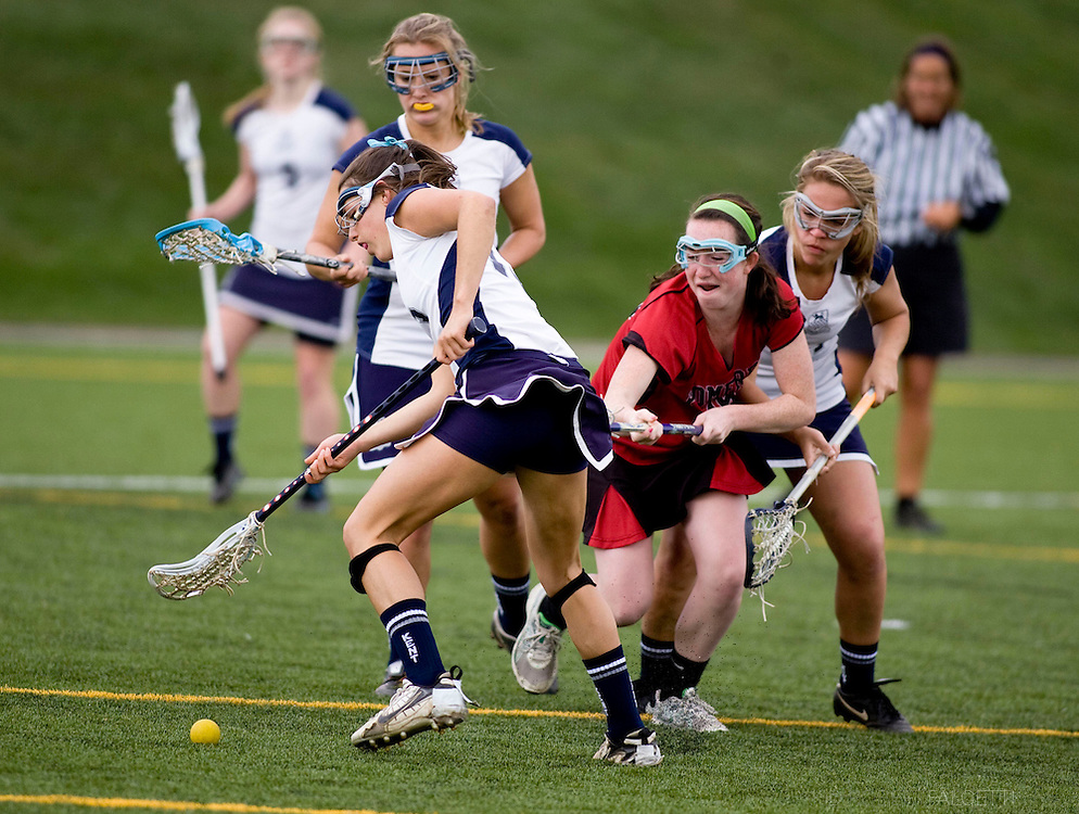 The Pomfret School, Pomfret, CT. 2010-2011. Girls Varsity Lacrosse.  (Photo by Robert Falcetti). .