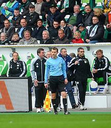 27.04.2013, Volkswagen Arena, Wolfsburg, GER, 1. FBL, VfL Wolfsburg vs Borussia Moenchengladbach, 31. Runde, im Bild Aufregung bei Cheftrainer Dieter HECKING (VfL Wolfsburg) und Manager Klaus ALLOFS (VfL Wolfsburg) nach Attacke von Mike HANKE (Borussia Moenchengladbach) gegen Jan POLAK (VfL Wolfsburg) // during the German Bundesliga 31th round match between VfL Wolfsburg and Borussia Moenchengladbach at the Volkswagen Arena, Wolfsburg, Germany on 2013/04/27. EXPA Pictures © 2013, PhotoCredit: EXPA/ Eibner/ Global..***** ATTENTION - AUSTRIA ONLY *****
