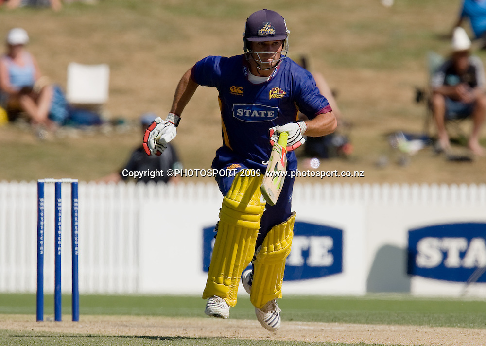 Sean Eathorne bats for Volts during the State Shield cricket final between the State Northern Knights and State Otago Volts won by the Knights by  49 runs at Seddon Park, Hamilton, New Zealand, Saturday 31 January 2009.  Photo: Stephen Barker/PHOTOSPORT