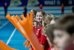 11-02-2017 NED: AA Drink NK Indoor, Apeldoorn<br /> Jeugd atletiek vrijwilligers phanos