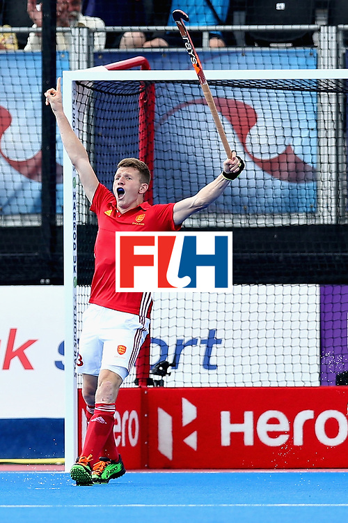 LONDON, ENGLAND - JUNE 18: Sam Ward of England celebrates scoring the second goal for England during the Hero Hockey World League Semi Final match between Pakistan and India at Lee Valley Hockey and Tennis Centre on June 18, 2017 in London, England.  (Photo by Alex Morton/Getty Images)