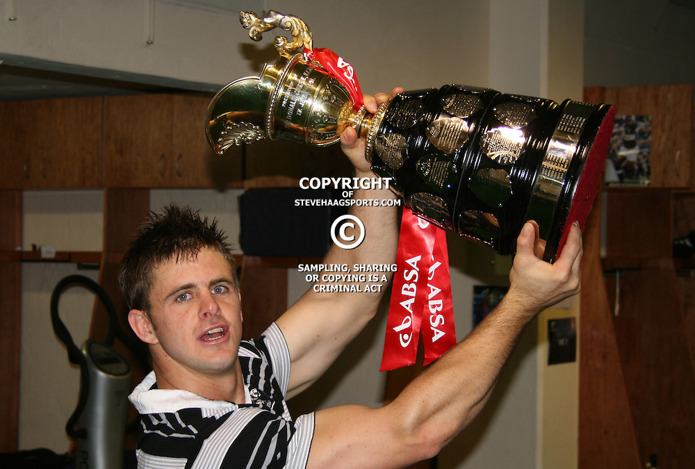 SATURDAY 25TH TH OCTOBER 2008  THE FINAL. THE ROAD TO THE CURRIE CUP FINAL. THE SHARKS VS BULLS FINAL CUP FINAL LIVE FROM THE ABSA STADIUM DURBAN KINGS PARK.<br /> <br /> SHARKS WIN GREAT CUP FINAL IN DURBAN.<br /> <br /> <br /> Please visit www.backpagesport<br /> Pic: STEVE HAAG /Back Page Sport.com / STEVE HAAG GALLO IMAGES