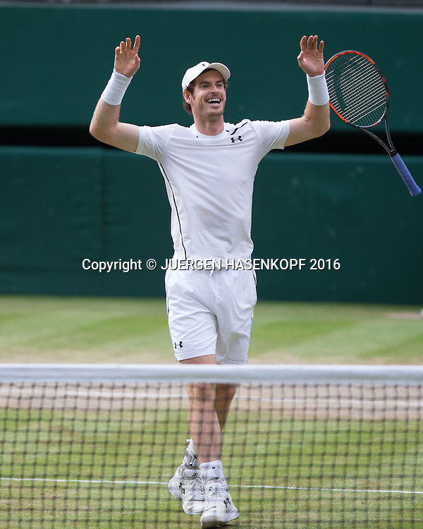 ANDY MURRAY (GBR) jubelt nach seinem Sieg, Matchball. Herren Endspiel, Finale <br /> <br /> Tennis - Wimbledon 2016 - Grand Slam ITF / ATP / WTA -  AELTC - London -  - Great Britain  - 10 July 2016.
