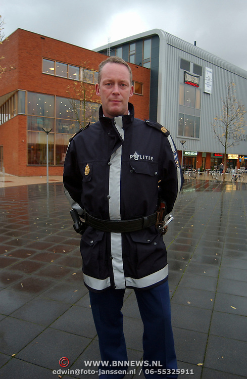 Henk Koster politie Gooi & Vechtstreek met nieuwe uniform