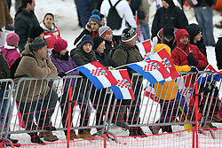 06.01.2013, Crveni Spust, Zagreb, AUT, FIS Ski Alpin Weltcup, Slalom, Herren, Vorberichte, im Bild Fans // Fans during preperation of the mens Slalom of the FIS ski alpine world cup at Crveni Spust course in Zagreb, Croatia on 2013/01/06. EXPA Pictures © 2013, PhotoCredit: EXPA/ Pixsell/ Ibrahim Kralj..***** ATTENTION - for AUT, SLO, SUI, ITA, FRA only *****